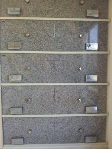 lapidas-dobles-nichos-cementerio-jardineras-pomos
