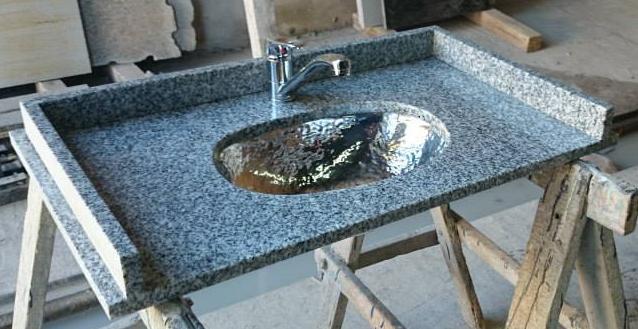 Bachas Para Baño Con Griferia:Mesada y bacha de acero inoxidable colocada por debajo marca johnson