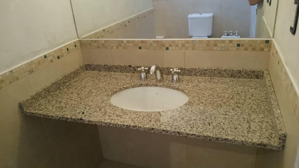 Mesada de baño y bacha - Marmoleria Zacarias