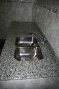 mesada-cocina-marmol-granito-pileta-doble-johnson