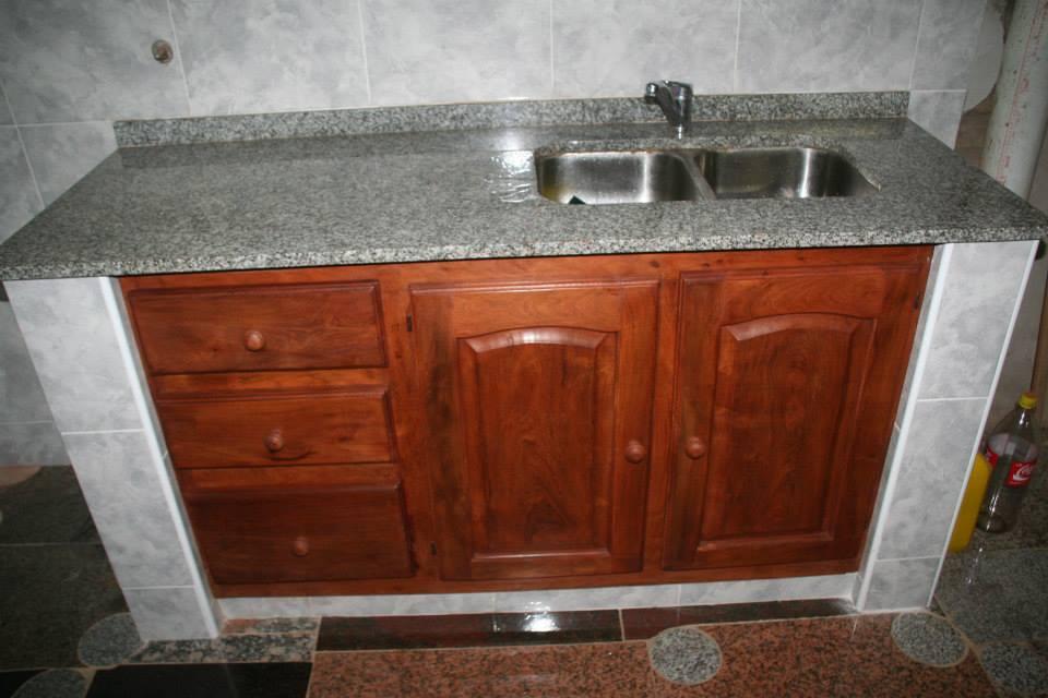 Mesada de cocina granito marmoleria zacarias for Piedra granito para cocina precios