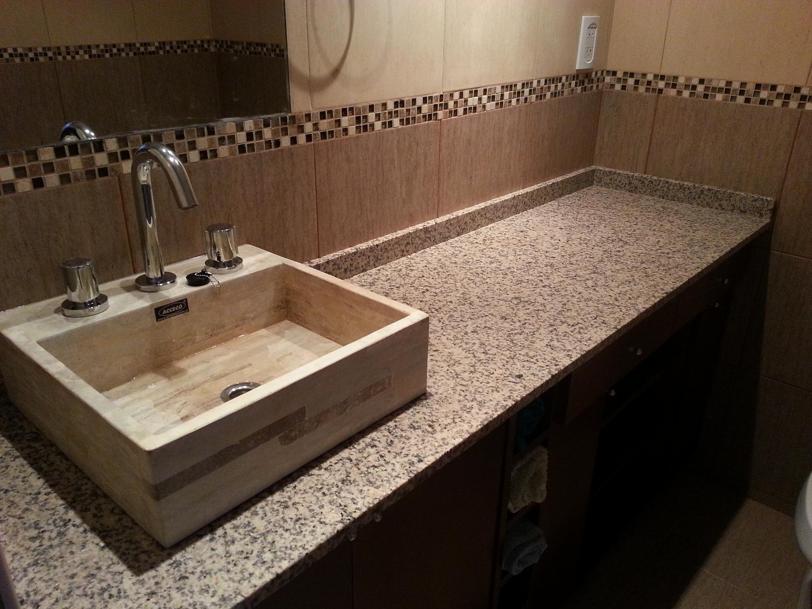 Vanitory apoyo sobre mesada marmoleria zacarias for Tipos de granito para mesada