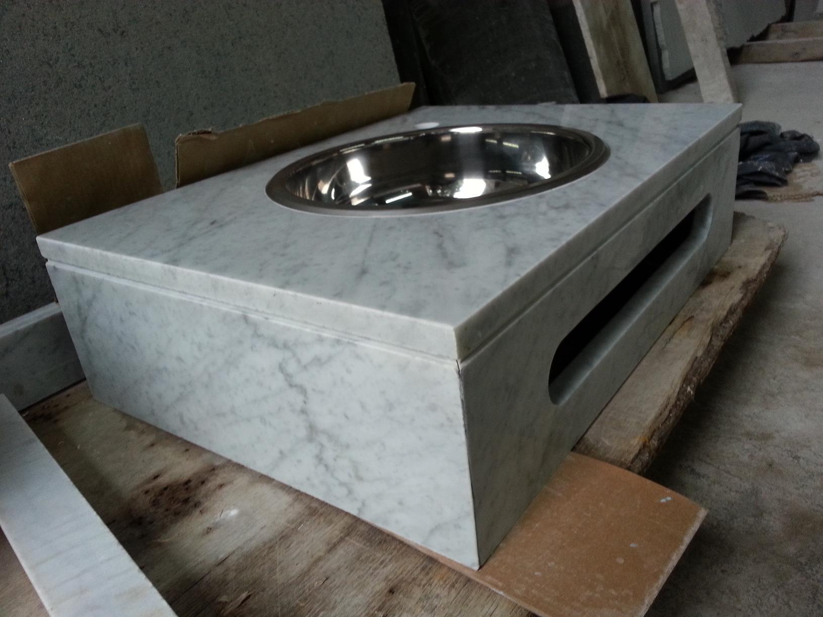Vanitory carrara marmoleria zacarias for Marmol de carrara precio