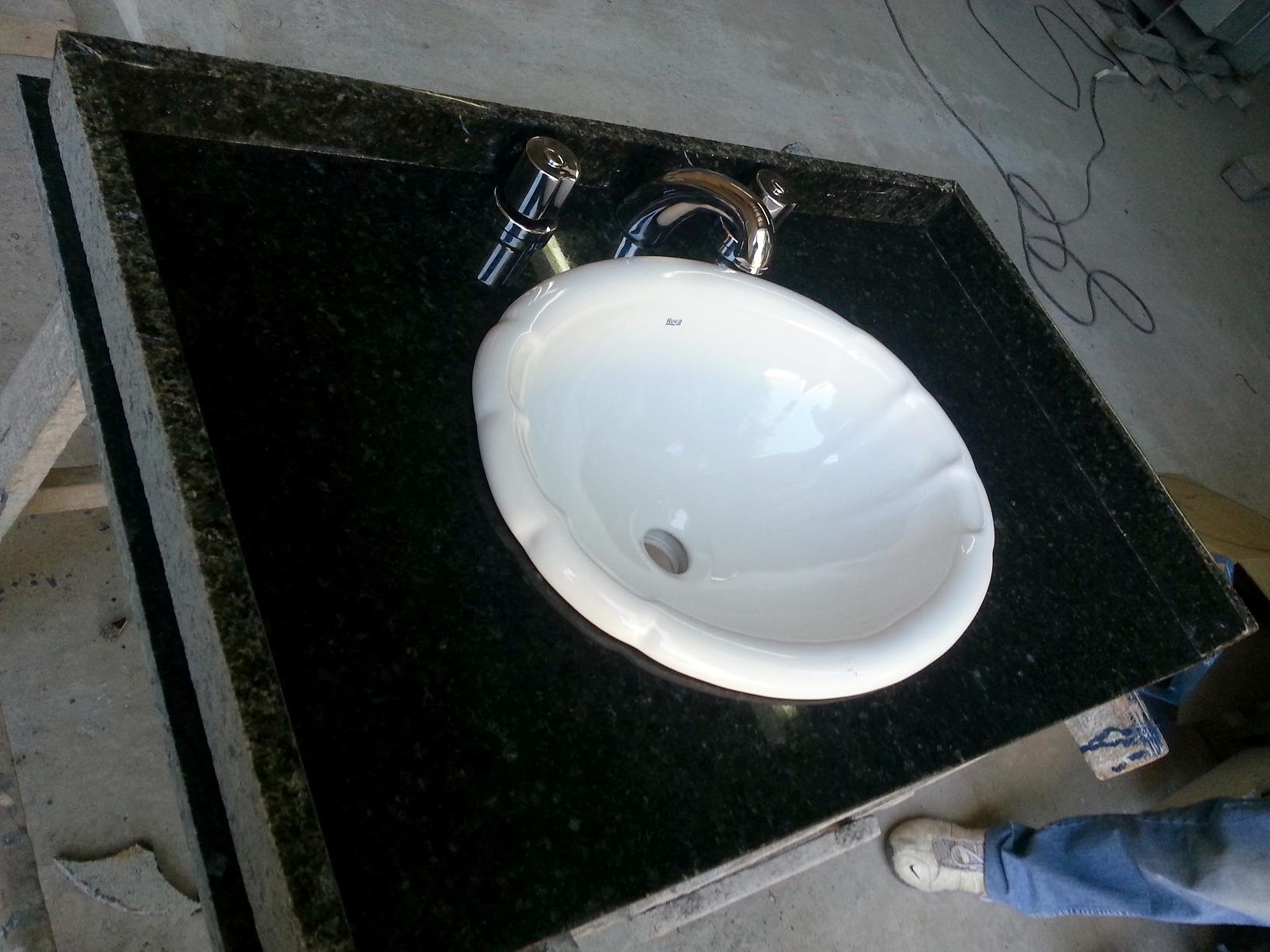 Bachas Para Baño Rosario:Mesada y bacha de ceramica colocada por arriba marca Roca Grifería a